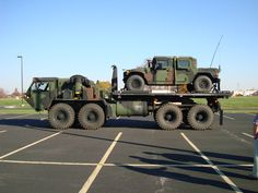 HEMTT hauling a HMMWV.