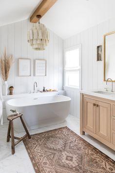 Bathroom Styling, Bathroom Interior Design, Bathroom Lighting, Master Bathroom Designs, Shiplap Master Bathroom, Dark Floor Bathroom, Master Bathroom Plans, Bathroom Chandelier, Bathroom Ceiling Light