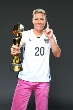 Abby Wambach, outtakes from Sports Illustrated commemorative World Cup covers… Taekwondo, Motogp, Ufc, Snowboard, Soccer Stars, Solo Soccer, Messi Soccer, Nike Soccer, Football