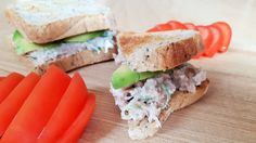 Thunfischsandwich | Thunfisch | Sandwich | Sportküche | #rezeptsonntag | Avocado Avocado, Sushi, Sandwiches, Japanese, Ethnic Recipes, Food, Tuna Fish Sandwich, Fish Dishes, Fresh