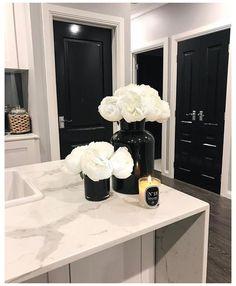 White Kitchen Decor, Home Decor Kitchen, Home Kitchens, Kitchen Ideas, Dream Home Design, Home Interior Design, House Design, Interior Doors, Design Design