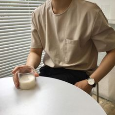 Image in Fashion 👑 Clothes💎Outfit collection by ♡ann. Cream Aesthetic, Brown Aesthetic, Aesthetic Boy, Aesthetic Colors, Aesthetic Photo, Look Fashion, Korean Fashion, Fashion Clothes, Fashion Outfits