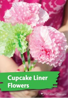 Bring the look of beautiful spring flowers indoors with this easy and fun paper flowers kids' craft, made with cupcake liners and straws.