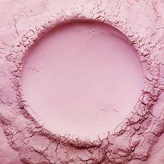 "88 Likes, 2 Comments - NORI (@stilllifephotographer) on Instagram: ""#fine #pink #powder #texture #crack #breaking #surface #dry #sand  #flirtearth #earth #circle…"""