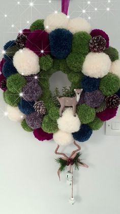 Christmas Decorating Ideas to Turn Your Home Into a Winter Wonderland – Pom Pom Wreaths - Check out these awesome Christmas Decorating Ideas to Turn Your Home Into a Winter Wonderland – P - Christmas Pom Pom Crafts, Spring Crafts, Holiday Crafts, Christmas Time, Christmas Decorations, Christmas Ornaments, Crochet Christmas Wreath, Pom Pom Decorations, Pom Pom Wreath