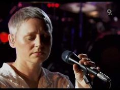 Massive Attack - Teardrop - Live, Abbey Road (2006) w/Elizabeth Fraser