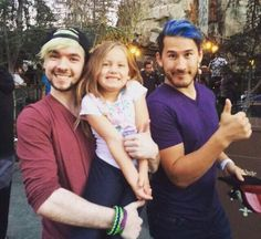 Jacksepticeye and Markiplier am i the only one who think of septiplier Markiplier, Pewdiepie, Jacksepticeye Memes, I Like Him, Like A Boss, My Love, Danisnotonfire, Amazingphil, Jack And Mark