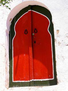 door in Sidi Bou Said, Tunisia   ..rh