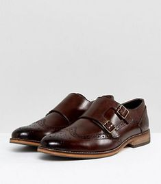 Browse online for the newest ASOS Wide Fit Monk Shoes In Brown Leather With Brogue Detail styles. Shop easier with ASOS' multiple payments and return options (Ts&Cs apply). Brogues Outfit, Desert Boots, Asos, Chelsea Boots, Brown Leather, Oxford Shoes, Dress Shoes, Mens Fashion, Men's Boots