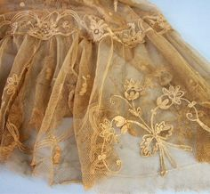 love this color lace! Lace Ribbon, Lace Fabric, Antique Lace, Vintage Lace, Nottingham Lace, Tambour Embroidery, Lesage, Pearl And Lace, Romantic Lace