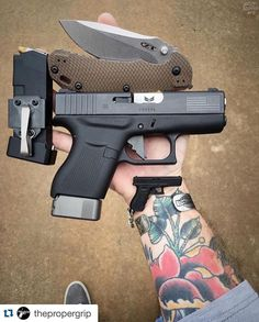 I like the mag pouch/clip.  Nice gear.
