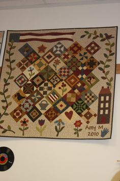Sampler quilt, Interesting setting for blocks, with appliqued borders