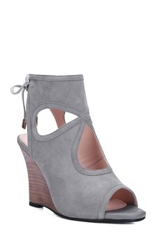 Peep Toe Hollow Out Wedge Heel Sandals ==