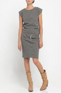 Deze schoenen en laarzen geven je jurk of rok een stoere look