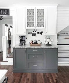 The kitchen that is top-notch white kitchen , modern kitchen , kitchen design ideas! Farmhouse Kitchen Decor, Diy Kitchen, Kitchen Ideas, Kitchen Inspiration, Modern Farmhouse, Kitchen Wet Bar, Kitchen Bar Decor, One Wall Kitchen, Farmhouse Sinks