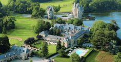 Pour le plaisir de tous vos sens le Domaine de la Bretesche vous offre quatre atmosphères inoubliables : un hôtel de luxe dans les superbes dépendances d'un château du XVème siècle, un golf 18 trous.