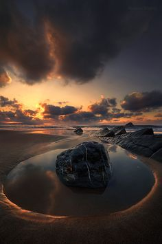 Best of — Ephemeral Nest by Romain Matteï Amazing Sunsets, Amazing Nature, Landscape Photography, Nature Photography, Stunning Photography, Photography Photos, Beautiful World, Beautiful Places, Skier
