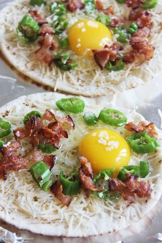 Breakfast Naan Pizza from brunchwithjoy.com