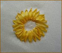 silk ribbon embroidery: tutorial, sunflower