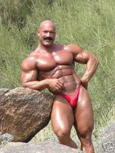 PERFECT bodies,hard working bodybuilders...... I LOVE MY BLOG AND ADMIRE EVERY SINGLE ATHLETES WHOM...