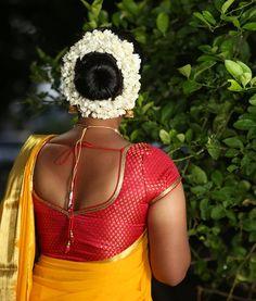 Indian Long Hair Braid, Braids For Long Hair, Bridal Hair Buns, Indian Costumes, Bun Updo, Indian Beauty Saree, Beautiful Hairstyles, Beautiful Blouses, Bun Hairstyles