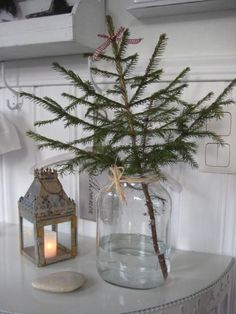 29 Wonderful Minimalist Christmas Tree Ideas For Living Room Decor. If you are looking for Minimalist Christmas Tree Ideas For Living Room Decor, You come to the right place. Minimalist Christmas Tree, Scandinavian Christmas Trees, Modern Christmas Trees, Small Christmas Tree Decor, Xmas Tree, Minimal Christmas, Scandinavian Style, Types Of Christmas Trees, Noel Christmas