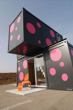 Shipping container weekend house - 300 sq ft
