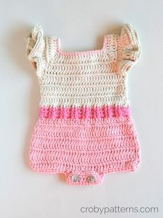 Crochet Baby Girl Crochet Baby Romper Free Pattern - You are going to love our Free Baby Crochet Patterns Post that is filled with the best collection of ideas you will see. View them all now Crochet Romper, Crochet Bebe, Baby Girl Crochet, Crochet Baby Clothes, Newborn Crochet, Crochet Baby Dresses, Free Crochet, Ruffle Romper, Baby Clothes Patterns