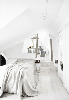 50 Beautiful Attic Bedroom Designs And Ideas Interior Desing, Home Interior, Interior Stylist, Attic Bedroom Designs, Peaceful Bedroom, Calm Bedroom, Bright Homes, White Bedroom, Master Bedroom