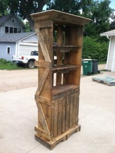 Pallet Hutch, yes we would need this!!!!