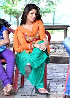Srabanti Chatterjee is a indian bengali actress and television actress. She started her career by work in Indian Bengali Movie in Beautiful Girl Photo, Beautiful Girl Indian, Beautiful Indian Actress, Indian Bollywood Actress, Indian Actresses, Actress Hot Photoshoot, Punjabi Models, Punjabi Girls, Indian Designer Outfits