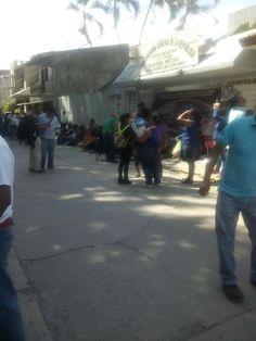 Maestrxs toman instalaciones de PGR en #Huajuapan para exigir la liberación de lxs detenidxs en las manifestaciones