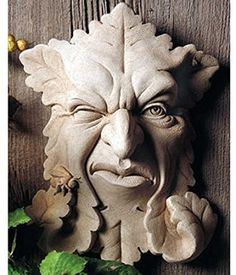 Cast Stone Leaf Face Indoor Outdoor Bee Plaque Sculpture   Buzz Off