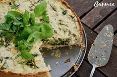 This Zucchini Spinach & Feta Cheese Pie is to die for! Best Nutrition Apps, Feta Cheese Nutrition, Coffee Nutrition, Pasta Nutrition, Nutrition Guide, Kids Nutrition, Diet And Nutrition, Pizza Hut Menu