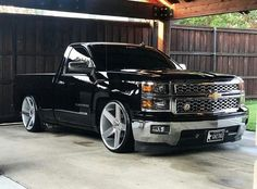Hate the rims. Dig the truck.