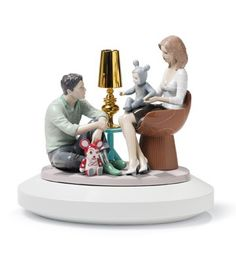01007255  THE FAMILY PORTRAIT   Issue Year: 2008  Sculptor: Marco Antonio Noguerón  Size: 35x34 cm  Base included