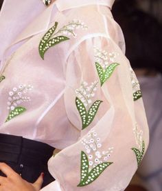 2001 - Yves Saint Laurent couture blouse lily of the valley Embroidery Couture Details, Fashion Details, Fashion Design, Couture Mode, Couture Fashion, Yves Saint Laurent, Christian Dior, Couture Embroidery, Lesage