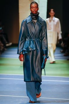 http://www.vogue.com/fashion-shows/fall-2016-ready-to-wear/celine/slideshow/collection
