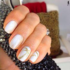 Beach nails! Fun idea for summer or vacation!