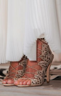 Bridal Shoes / Nude Statements (instagram @the_lane)