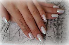 Efekt syrenki + zdobienie hybrydą #nails #paznokcie #hybrydy #semilac #indigo #efekt #syrenki #white #białe #zima #winter