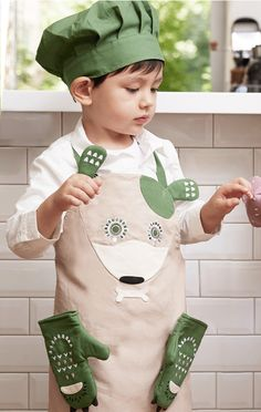 Dog kids apron set (apron, chef's hat and gloves) from Kooroom. Also available Cat, Bunny and fox. www.lublue.co.uk