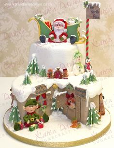 What a great Christmas cake for the kids! Christmas Themed Cake, Christmas Cake Designs, Christmas Cake Decorations, Christmas Cupcakes, Christmas Sweets, Holiday Cakes, Christmas Cooking, Noel Christmas, Christmas Goodies