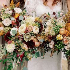 Popular Flowers, Complimentary Colors, Bridal Flowers, Floral Style, Wedding Bouquets, Floral Wreath, Bloom, Things To Come, Bride