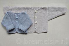 Patroon babyjasje breien maat 50-56 en 62-68 Knitting For Kids, Baby Knitting Patterns, Baby Patterns, Baby Boy Cardigan, Baby Vest, Baby Clothes Online, Cute Baby Clothes, Brei Baby, Crochet Baby