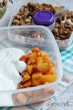 Lunchbox #4: na słodko | Zdrowe Przepisy Pauliny Styś Shrimp, Lunch Box, Meat, Ethnic Recipes, Food, Essen, Bento Box, Meals, Yemek