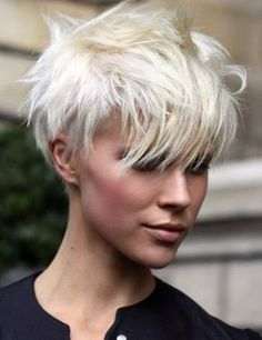 Platinum Blonde Pixie Cuts with Long Bangs Undercut Hairstyles, Pixie Hairstyles, Cool Hairstyles, Short Undercut, Hairstyle Ideas, Haircut Short, Hairstyle Pictures, Pixie Haircuts, Teenage Hairstyles