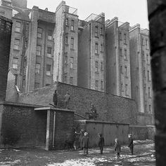 Boys playing in Islington, Greater London London Pictures, London Photos, Old Pictures, Old Photos, London History, British History, Vintage London, Old London, Victorian Prison