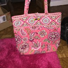 Vera Bradley tote It's been used but still in good condition (: Vera Bradley Bags Totes