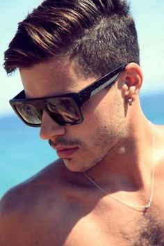 Short hairstyle for men with side swept fringe